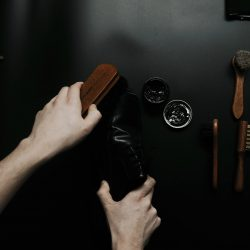 jak dbać o skórzane buty