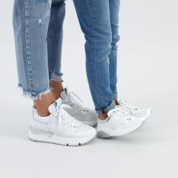 jakie buty do jeansów